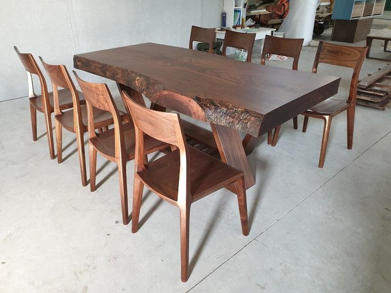 Xưởng sản xuất bàn ghế ăn gỗ óc chó NaDu Design