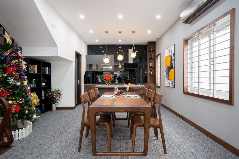 Không gian phòng bếp tiện nghi, sang trọng của biệt thự