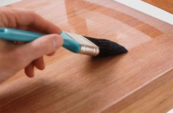 Cách bảo quản gỗ công nghiệp màu óc chó luôn bền, đẹp 2
