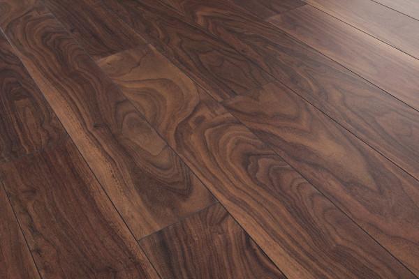 Sàn gỗ công nghiệp màu óc chó vẫn tồn tại nhiều nhược điểm khó tránh