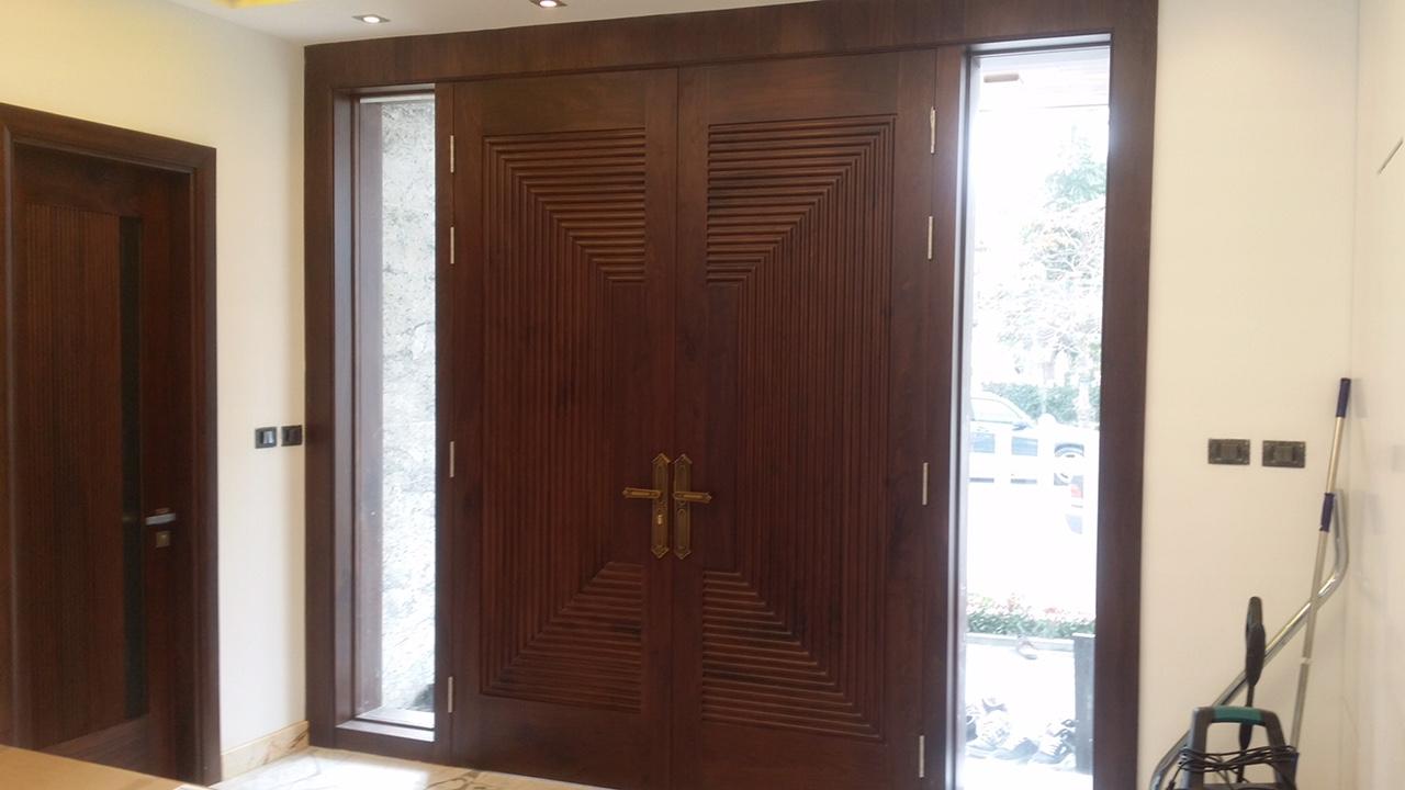 cửa gỗ óc chó đẹp - 3